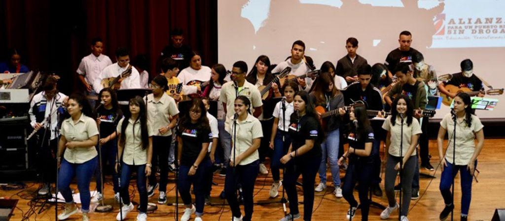 Tuna de la Escuela Jesús T. Piñero de Cidra.